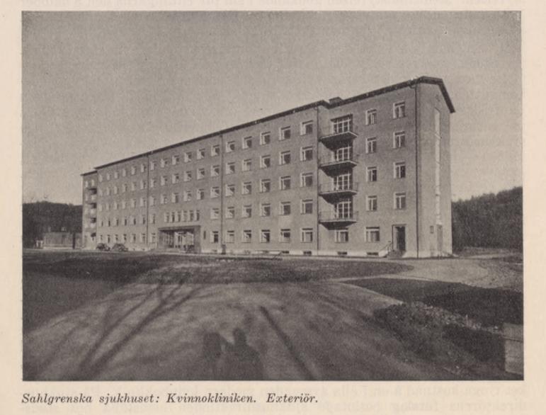 kvinnokliniken, ett typiskt 30-talshur med raka linjer och inte särskilt mycket dekorationer.
